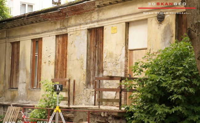 Inwentaryzacja  elewacji budynku w Warszawie -skaning 3D (1)